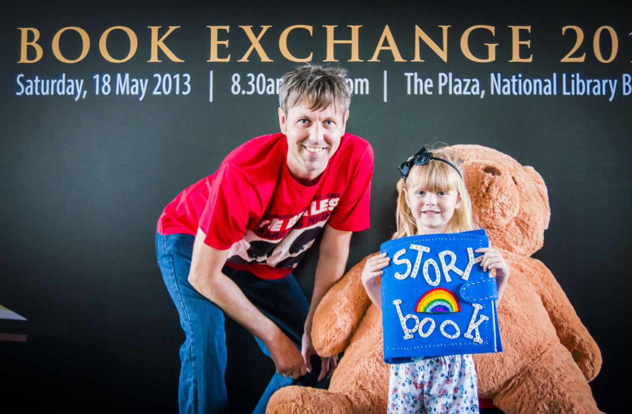 Neil Humphreys and his daughter Emily Rose @ BOOK EXCHANGE 2013  NEX 6, Tamron 35-105 f2.8