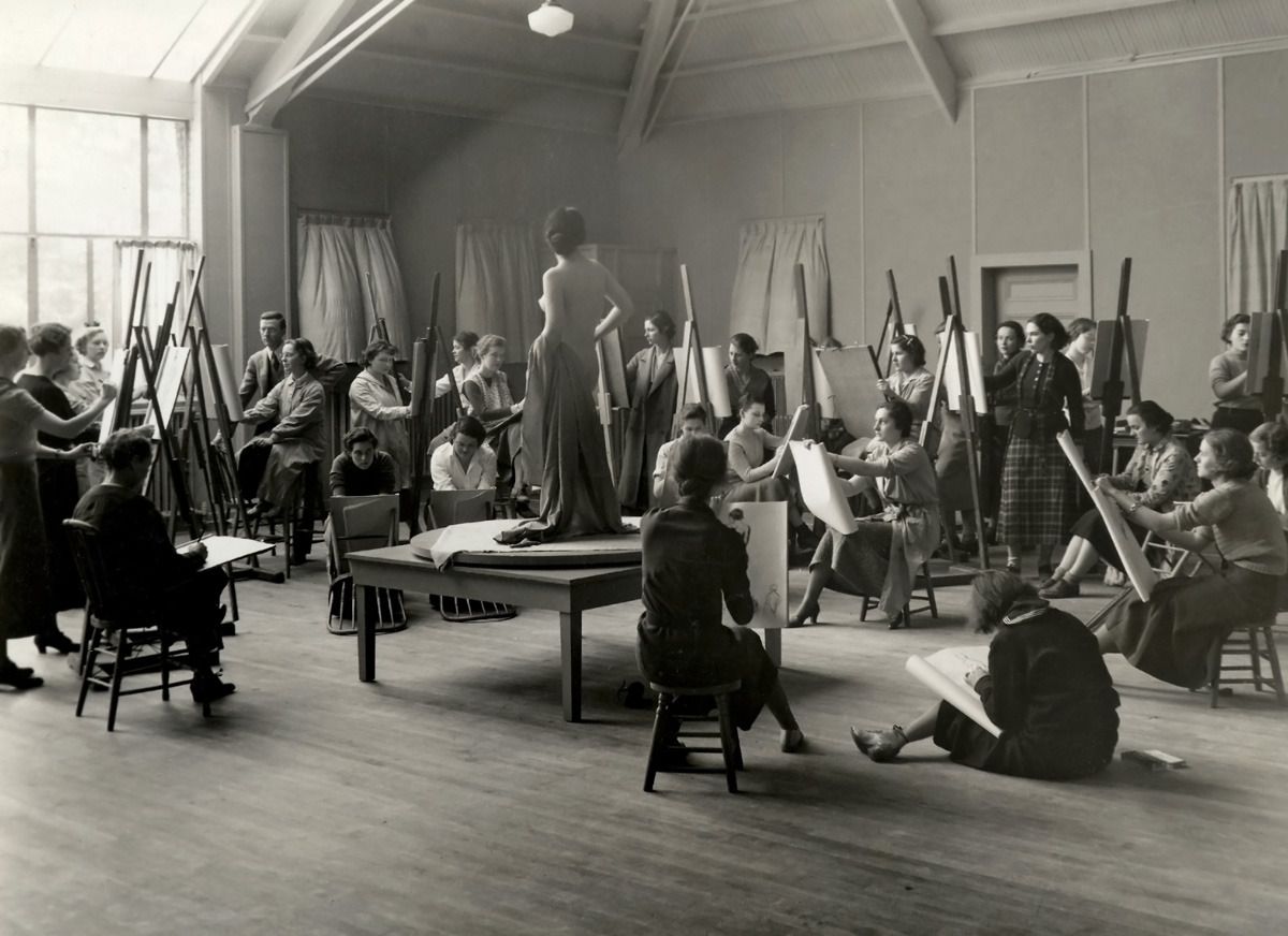 Life drawing class at Vassar college c. 1930.