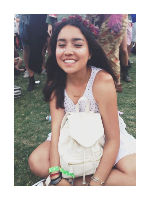 versa-ke:   sunscraped:   soyymilk:   Coachella Day 3   isn't my friend really adorable?    aww alex! your backpack is adorable just like you