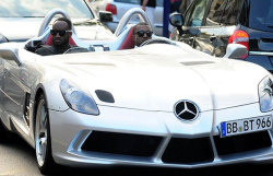 Kanye cruising with Virgil Abloh (Pyrex designer)