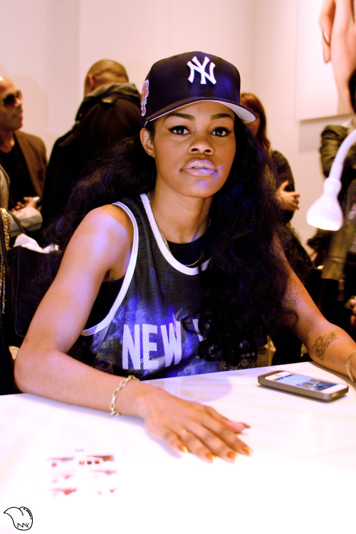 newnyer:  At the Adidas Originals Nail Salon @TeyanaTaylor getting her nails done #UniteAllOriginals