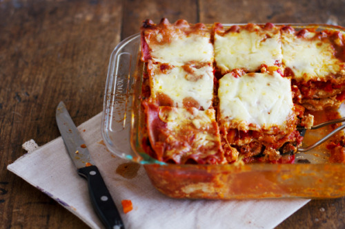 gastrogirl:  whole wheat roasted veggie lasagna for 300 calories.