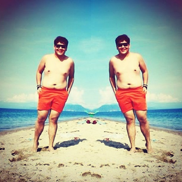 i may not have the abs but i have the guts! hahaha #summer #beach #sand #lobo #angHotPutangina! hahaha 💪💪💪💪💪 too macho to handle! #pinoy #asian #whateverHasgtag