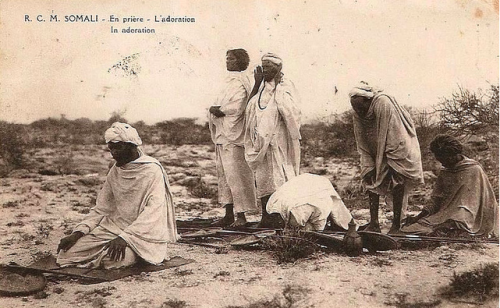Somali nomads offering prayers
