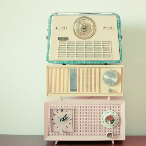 blutspur:  Radio Stations by Cassia Beck