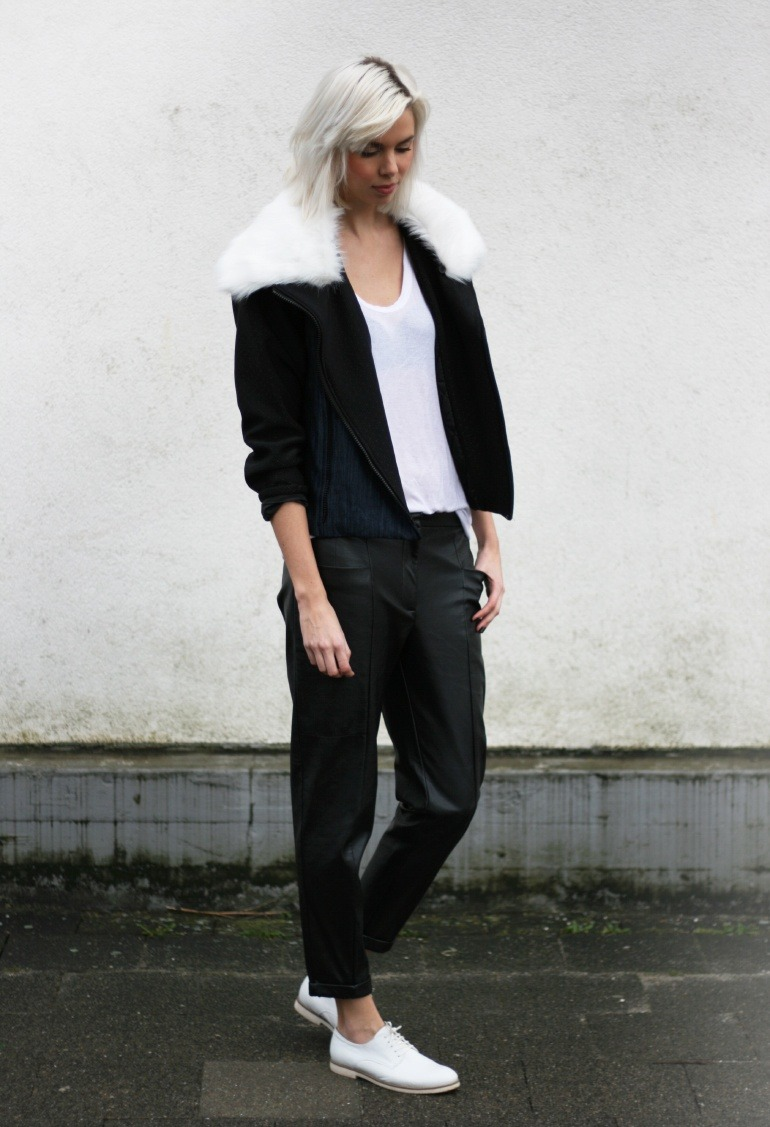 what-do-i-wear:  Choies jacket, Samsoe Samsoe tee, H&M Trend leather pants, Vagabond brogues (image: connectedtofashion)