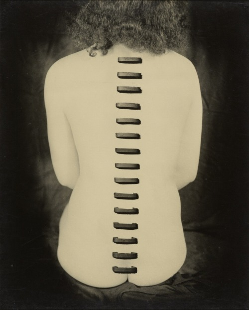 thegetty:  Greatly influenced by Surrealism, Kansuke Yamamoto made innovative photographs, collages, and poems and was a key figure in the Japanese avant-garde. His work is featured in Japan's Modern Divide: The Photographs of Hiroshi Hamaya and Kansuke Yamamoto. Stapled Flesh, 1949, Kansuke Yamamoto. From the Collection of Gloria Katz and Willard Huyck. © Toshio Yamamoto
