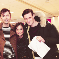 brittanias:  jenna louise coleman with actual giants matt smith and david tennant [x]