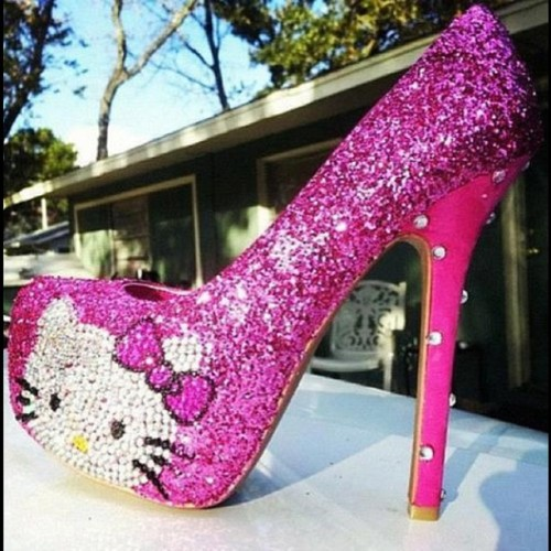 Pretty Kitty!  #glitter #sparkle #pink #hellokitty