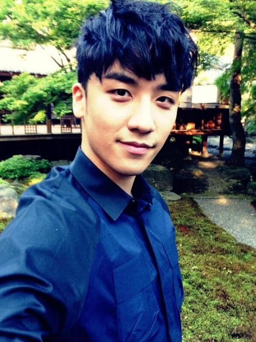 "130514 Seungri's twitter update: ""I'm in kyoto now!! japan!!!! i love this place!^_______^"""