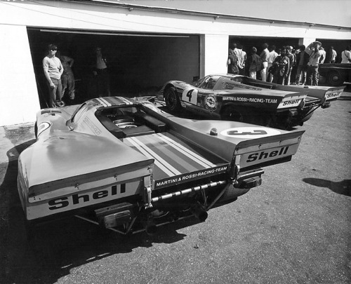 motorsportlegends:  Two Porsche 917Ks at the 1971 24 Hours of Daytona, both 917s would DNF after an accident involving the Ferrari 512M of Mark Donohue.