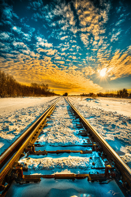 bluepueblo:  Snow Rail, Saskatchewan, Canada photo via candy