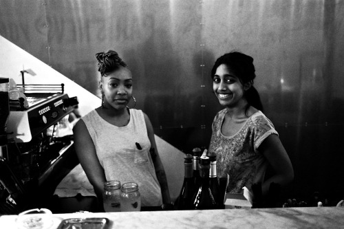 Girls power @ restaurant PNY By Koan Michael Une nouvelle photo du photographe, amateur de Leica, Koan Michael - gorgeous ;)  http://koansanphotography.tumblr.com