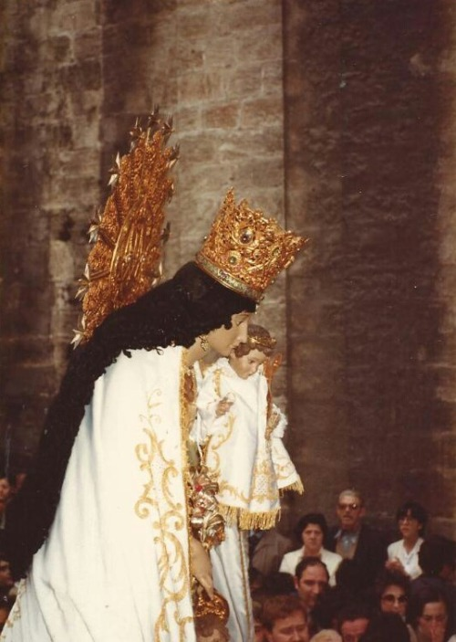 A vintage photograph of the procession of Our Lady of the Forsaken in Valencia, Spain.Earlier today a similar procession took place through the street of Valencia, as on the second Sunday of May the feast of 'la Virgen de los Desamparados' is celebrated.