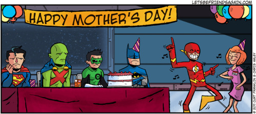 rambozus:  supermanblog:  himynameisnickolas:  Happy Mother's Day!   http://superman-blog.com/  Lol, awwwww.