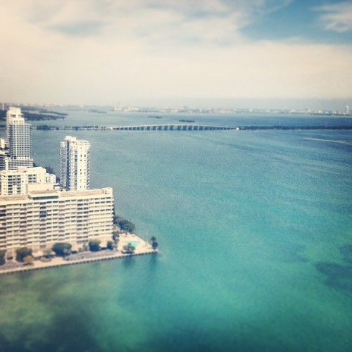 Showing in Miami #realestate 🔑🏢 (at Quantum On the Bay)