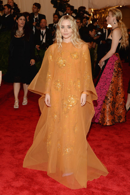 the-olsens:  6 May 2013: Ashley Olsen at the MET Gala  I cannot get over her