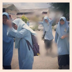 Gambar paling bangang time ni. Lol part bangang tu kelakar. Excited nak PMR time ni XD #throwback #2010 #krk #gila #missthem #excited #pmr