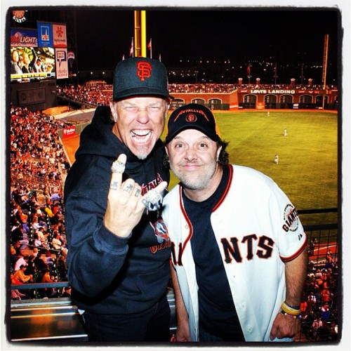 James Hetfield and Lars Ulrich repping the #SFGiants on #metallicanight last Friday.  Check out James' Bling.  Look familiar?