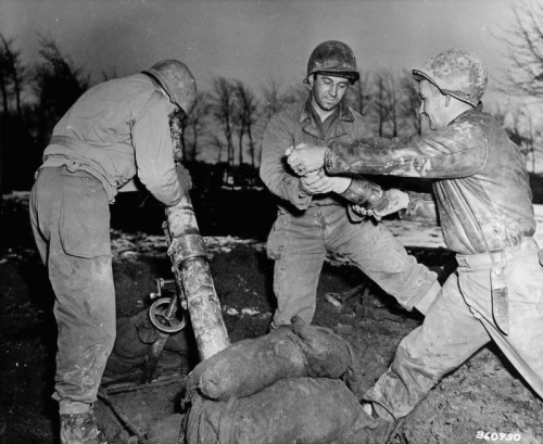 Mortars of the 86th Battalion/78th Infantry Division firing on the German position