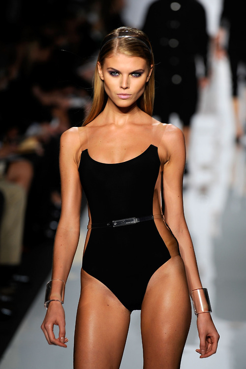 revoult:   Maryna Linchuk  perfect