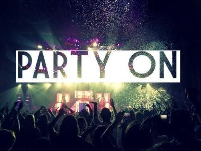 gaaaab-maaaaar:  Party on We Heart It. http://weheartit.com/entry/61697522/via/NiecyBaby_