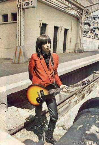 modcloth:  Nobody wears leather pants like Chrissie Hynde.