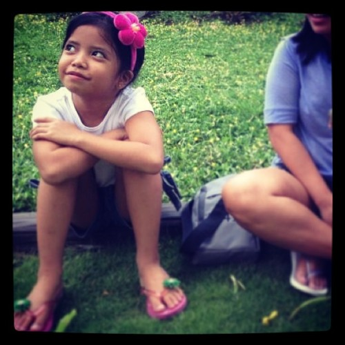 Zoe, so cute!! 😁 Super friends kami nung outing eh. Hihi. #pamangkin #cute