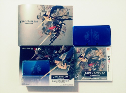 Fire Emblem Awakening Cobalt Blue 3DS Bundle Just a reminder that I'm auctioning this off on eBay.I started it at $0.99 last week and it is now at $265 and it ends tomorrow.