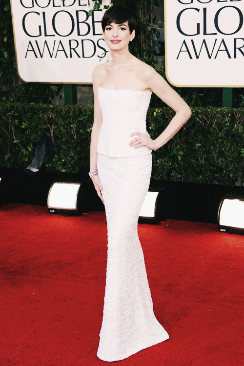 stewartkristenss:  TOP 10 FAVORITE OUTFITS @ THE 70TH ANNUAL GOLDEN GLOBE AWARDS 2013:   #6 - Anne Hathaway in Chanel.