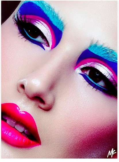 nail-designs2:  Really cool makeup. Get makeup samples for free here.