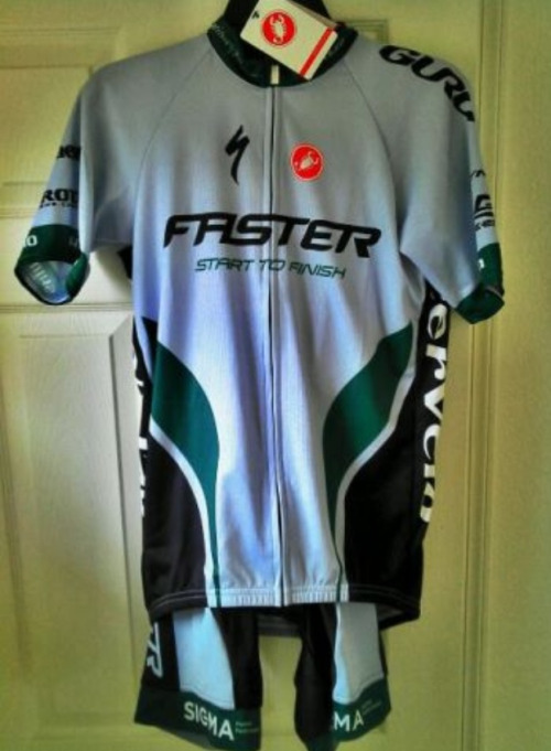 @fasteraz gets down with @castellicycling  Note: if you put faster or speedy on your kit regardless of business name - you better be training till your eyes bleed. It really is the put up shut up of cycling. Which, isn't a bad thing - it's ballsy.  Photo @slowswimmer (this may be my favorite twitter handle as of late)