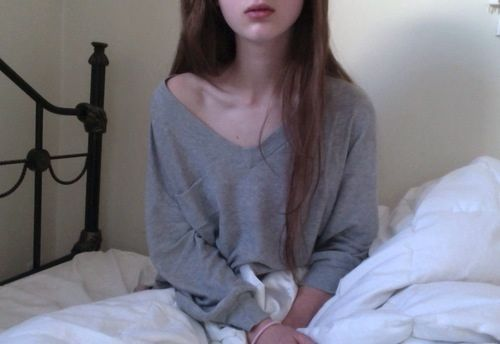 diamondinbrute:  pale-body:  ✿pale/pretty here✿  ♡ pale, pretty & pastel ♡