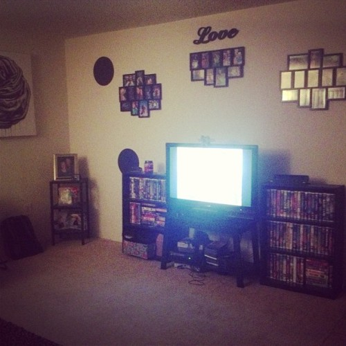…other side of living room :) #livingroom #homedecor #lameasfuck #imlazy #cantpaint #allthevhs