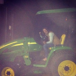 💛💚🚜🌽#throwbackthursday #lastweekend #johndeargreen #favoritecolor (at AMERICABITCHES)