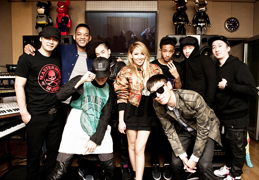 YG FAMILY WITH WILL & JAYDEN SMITH Source: http://www.yg-life.com/?p=17677