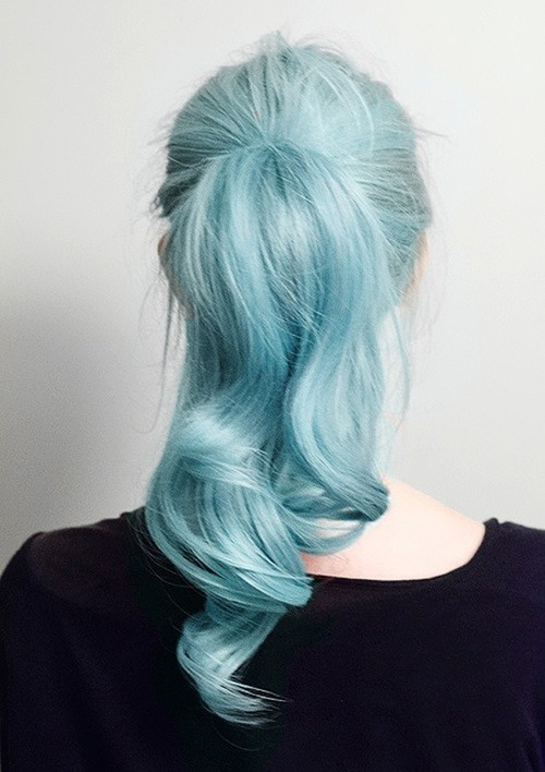 hipsta-in-training:  blue hair