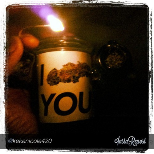 If you're stuck in the dark, then let #IBUDYOU be your #light! #blazing #wakeandbake by @kekenicole420! Follow the #budlove through the darkness and into the #dankness! www.ibudyou.com will carry you through #life! #thepersonalstash #weed #420 #daze #haze #highdays follow @ibudyou for a #happy, #high, and #postive #pothead lifestyle #420living
