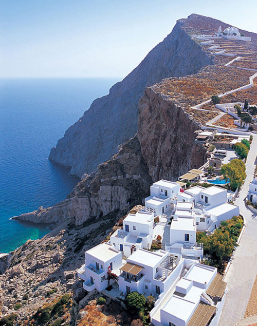 momentalconfashion:  Folegandros, Greece