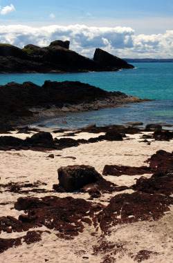 touchdisky:  Clachtoll Beach, Scotland, United Kingdom by megalithicmatt
