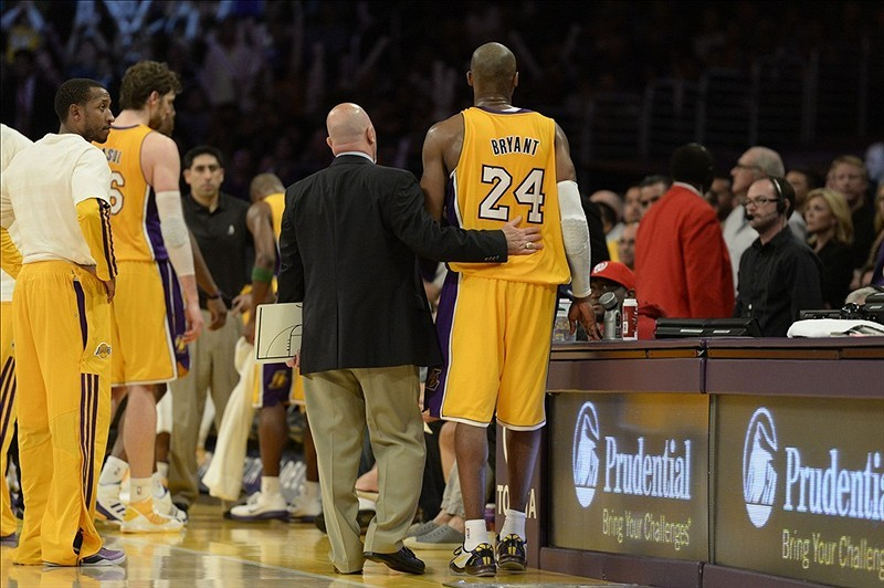 BREAKING NEWS: Kobe Bryant has a probable torn Achilles, according to the LA Lakers.He will have an MRI Saturday to confirm the diagnosis. Video: Kobe discusses injury Where do the Lakers go from here? NBA players react to the news on Twitter Column: Greatest challenge yet for Bryant