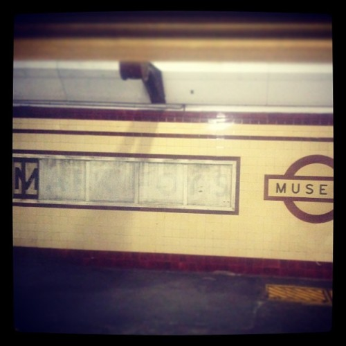 What's your muse? (at Museum Station (Platform 1))