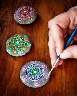 DIY Handicrafts ~ art stones