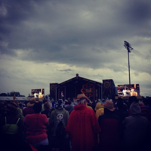 🌐💨🔥 @ #jazzfest in the #rain        Thats Earth Wind And Fire for you people with no emijos