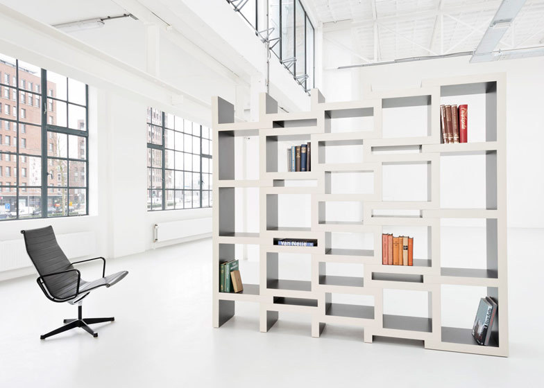 eXTENDING BOOKCASE BY RENIER DE JONG