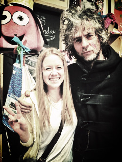 So I met Wayne Coyne and he's gonna put me on the guest list to see Flaming Lips and Black Keys in concert alright cool.