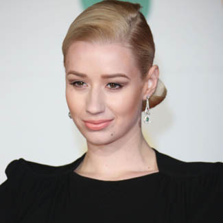 acs-custom-usa:  Iggy Azalea has hinted at a possible collaboration with Rihanna for her upcoming debut album!