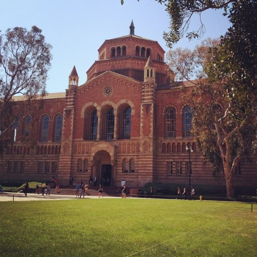 Since its midterm season… #UCLA #PowellLibrary #Procrastinationatitsfinest
