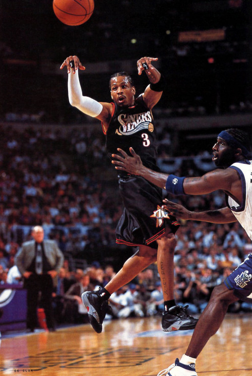 lovingbasketball:  diasound.tumblr.com  Oh snap!! Is that Iverson…