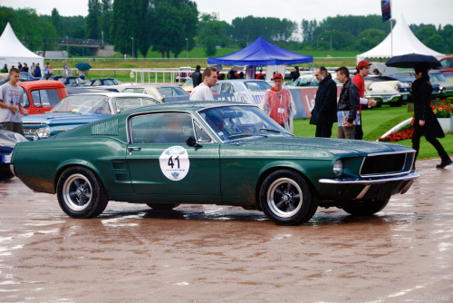 Prancing about Starring: '67 Ford Mustang (by pontfire)